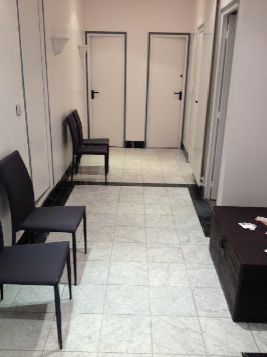 mise disposition d 39 une pi ce de 8 m2 dans un cabinet pluridisciplinaire paris 15 m tro. Black Bedroom Furniture Sets. Home Design Ideas